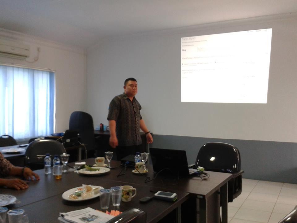 Pelatihan Web Alumni
